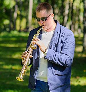 Vasilijs Šušerts, Saksofons