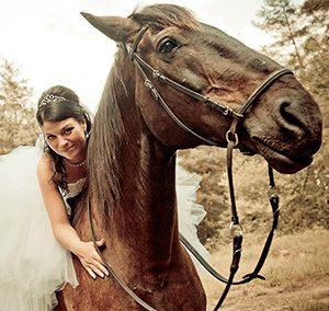Zirgu īre kāzām